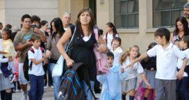 Reclaman que colegios privados cumplan con la ley que prohíbe la retención de boletines